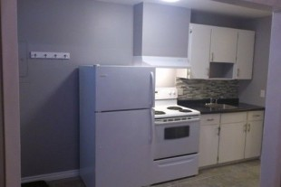 RECENTLY RENOVATED!! 1 BDR, CENTRAL LOCATION