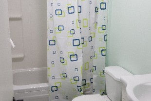 Newly Renovated 2 Bedroom – 900 All Inclusive (Avail. Now)