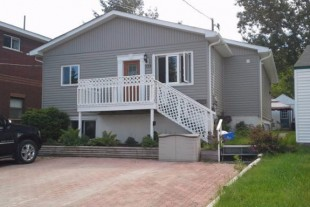 3 bedroom front of duplex available November 1