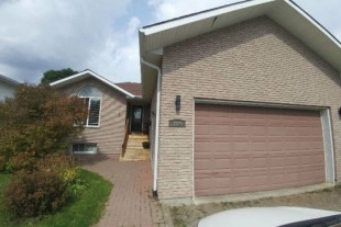 3+1 bedroom house for rent in Hanmer with garage