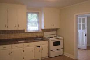 ONE BEDROOM APT. AVAIL. NOV.1ST CARUSO CLUB AREA 900 ALL INC