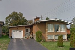 Beautiful 4 Bedroom Brick Remodeled Modern Home in South End !!