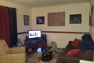 Large 1 Bedroom – Oak St – Great Location!