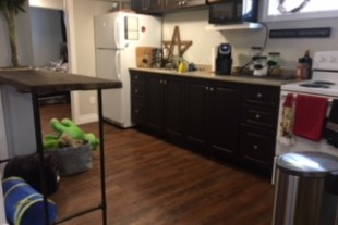 Clean, Newly renovated 2 bedroom apt