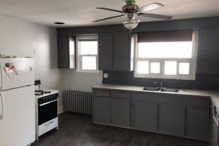 2bd apartment avail NOW $1100 walk downtown!