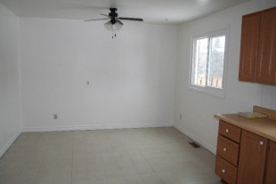 Large 3 bedroom townhouse in New Sudbury. Ideal location!!!