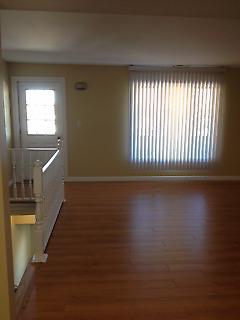 Large 2 bedroom w/balcony