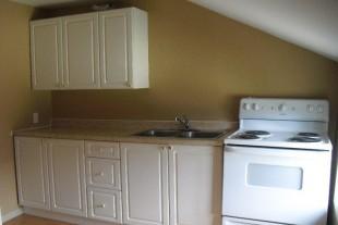 Bright 2 bedroom unit in Garson