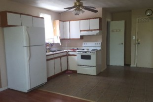 Upper 2 bedroom on Melvin — All Incl — Avail now