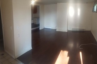 Ground level (no stairs) **Heart of downtown** All Incl