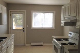 Bright, updated 2 bedroom apartment for rent