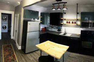 Furnished 2 bedroom — Downtown — Ensuite Laundry