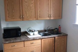 SMOKE FREE 1 BEDROOM APT FOR JUNE OR JULY 1ST