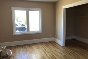 STUDENTS!! 4 bedroom unit available Sept. 1, 2018