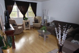 Spacious 2 Bedroom Apartment located on Dell St. Main Floor
