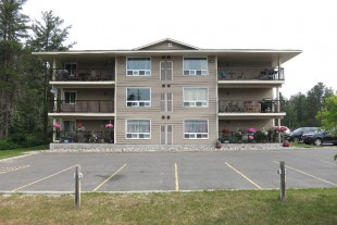 LARGE 2 Bedroom Apartment in Dowling