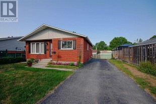 Bright 3 bedrooms/ main floor of house for rent! Perfect location!