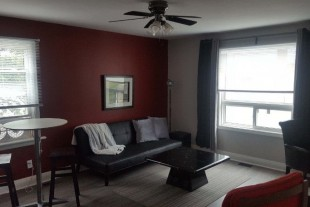 Furnished 2 bedroom (no parking) –WiFi + Laundry–.–OCTOBER 1