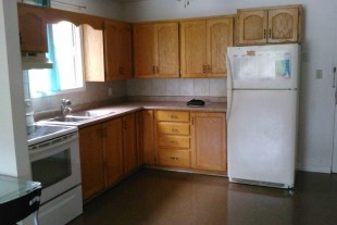 2 bedroom located at 347 Lasalle