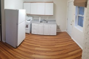 Main level cozy 1 bedroom (No parking)- Downtown –Avail Sept