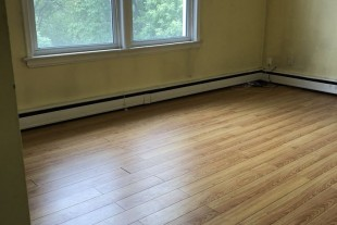 Large Bright 1 bedroom Available
